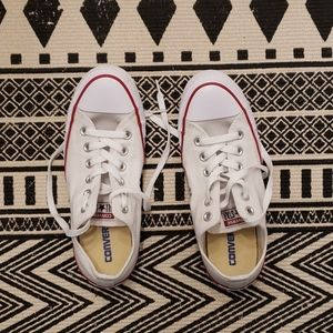 White Converse All Star (low tops)